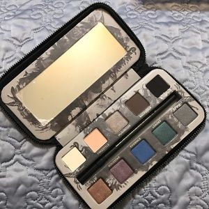 Urban Decay Smoked Pallet